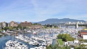 799px-Vancouver_-_False_Creek_pano_03