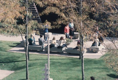 CVA-784-211-Seating-in-Park-Place-plaza-940x635
