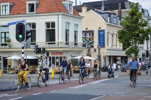 Bike lane in Utrecht, Netherlands (Photo: Melissa & Chris Bruntlett)