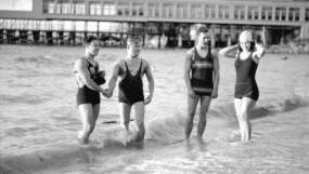 200102 - CVA 99-2100 - New Year's Day swim - 1930